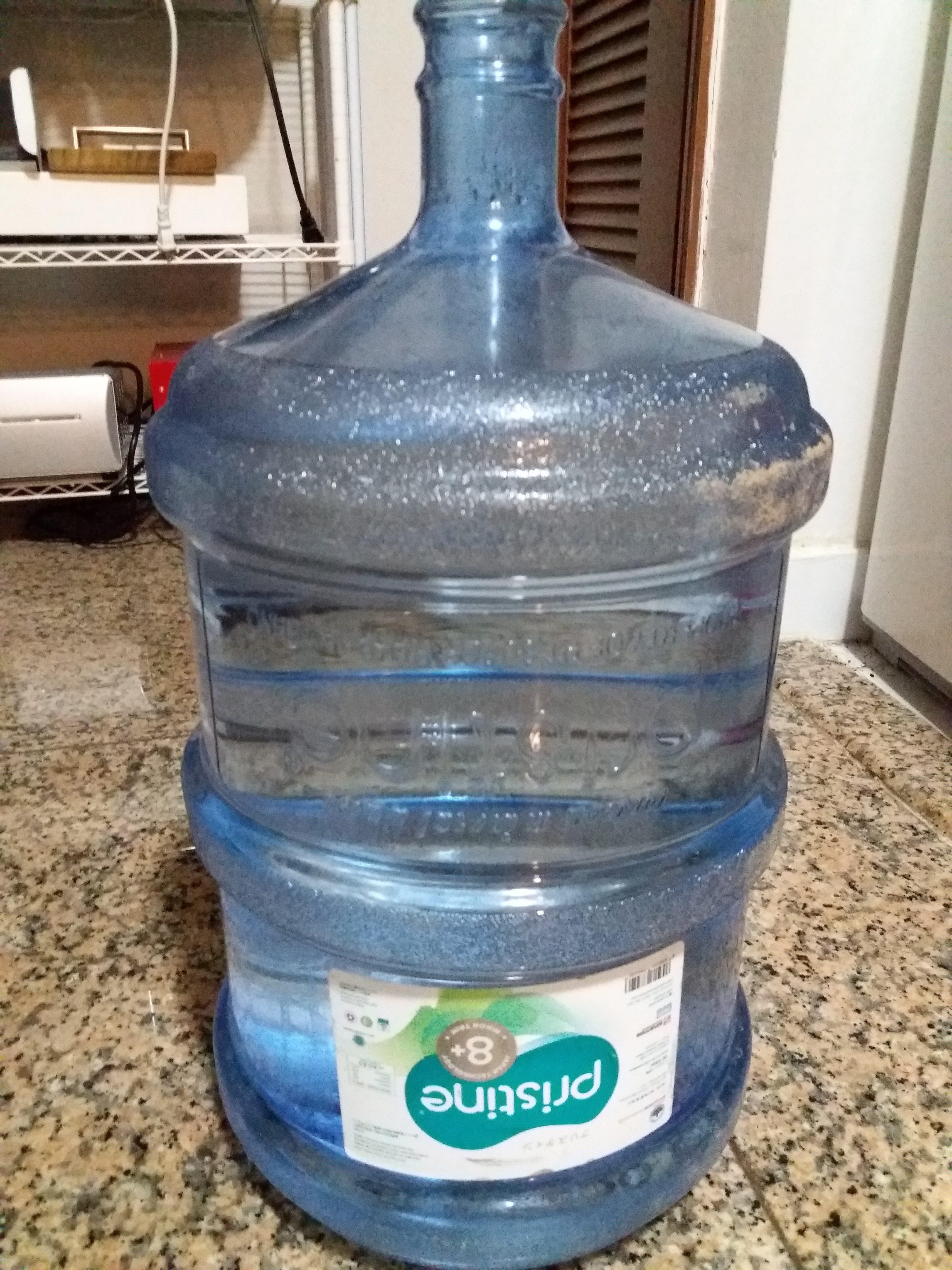ジャカルタの水事情、日本人が好む水の種類・ガロンや浄水器について