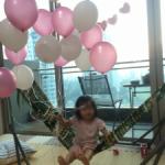 ジャカルタでパーティ 風船おじさん
